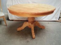 Sale!!! Need go ASAP! Solid Wood Stylish Round Dining table! AVAILABLE TO PAINT!