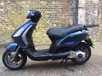 FULLY WORKING 2011 Piaggio Fly 125cc scooter 125 cc learner legal.
