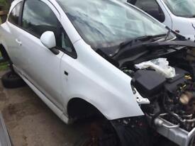 Breaking Vauxhall corsa