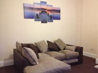 Beautiful Garden Fronted 2 bed House in Armley - Leeds 12 - Newly Renovated.