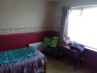 Furnished room to let in BD4 area