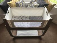 Snuzpod2 3-in-1 Bedside Crib in Putty With Bedding Set
