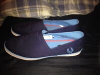 Fred Perry short summer trainer size 9