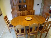 Extendable French Oak Dinning Table and 8 Matching Chairs