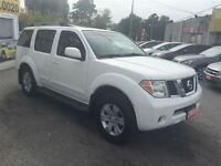 2005 Nissan Pathfinder SE Off-Road / 4WD / 7 PASS / LEATHER / RO