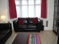 3 bedroom house in Danemead Grove, Northolt, London