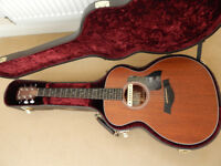 TAYLOR 324 ACOUSTIC WITH TAYLOR CASE