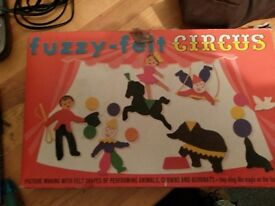 Fuzzy felt circus old childrens game from the 70's