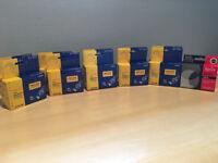 Sets of ink cartridges