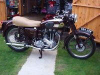 CLASSIC 1954 ARIEL 350cc RED HUNTER - 1 PREV OWNER - LOW MILES - BUFF LOGBOOK & V5 - WAS A GUERNSEY