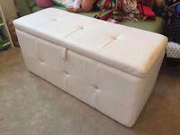 NEXT White Padded Chest Ottoman Girls Room Playroom Bedding Toys Box Storage Boy Trunk Games Diamond