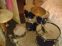 five peice drum kit excellent condition