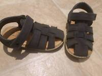 Toddler sandals size 7
