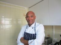 International Freelance chef looking for work hourly weekly part time