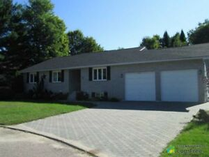 $379,900 - Bungalow for sale in Deep River
