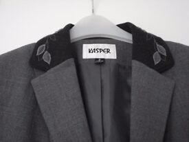 LADIES FULLY LINED TAILORED JACKET ( SIZE 12) (BY KASPER )
