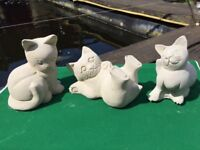 3 Cats Kittens Outdoor Indoor Garden Stone Concrete Cast Statues Cat Kitten