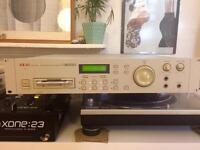 Akai s2000 digital sampler (+ system disk)