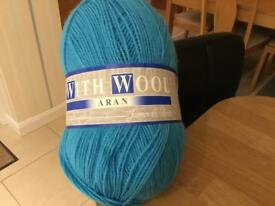 Machine Washable Aran Yarn with Wool