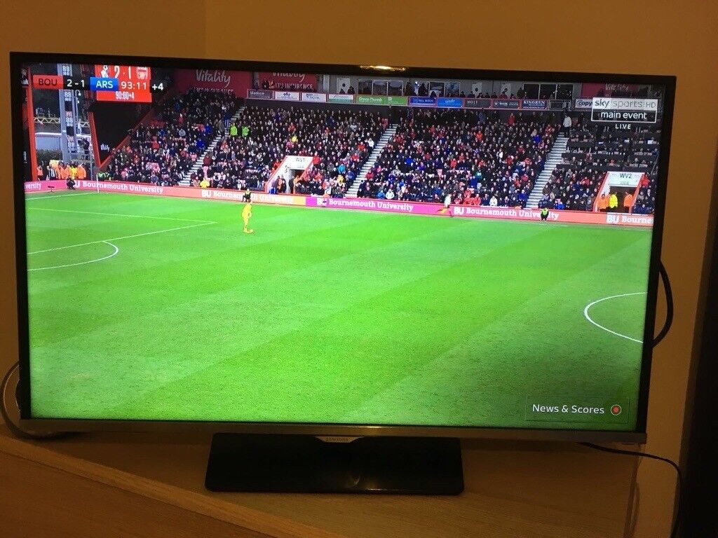 """Samsung 32"""" HD LED TV. 3 years old, hardly used."""