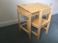 Children's wooden desk and chair 3-7 years