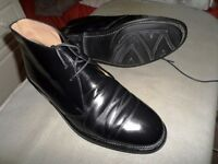 Gentlemen Burberry Rare Leather Chelsea Ankle Boot , Rubber Sole, Great Condition, Size 8.5 - 43