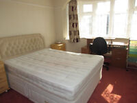 Large Double Room Available to rent 5 Mins Walk from High Barnet Tube station