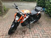 KTM Duke 2013 125cc with R+G racing tail tidy