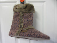 Beautiful Brand New URBANKNIT natural fibre Slippers Size 3-4