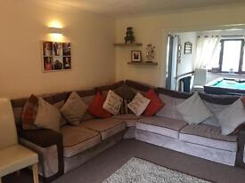 Large corner sofa. Please text not use email!