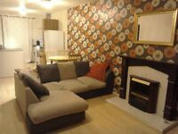 2 bedroom apartment, ravenhill road, available immediately