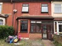3 Bedroom House with 2 Receptions to Rent in Ilford IG1 1EJ === PART DSS WELCOME==