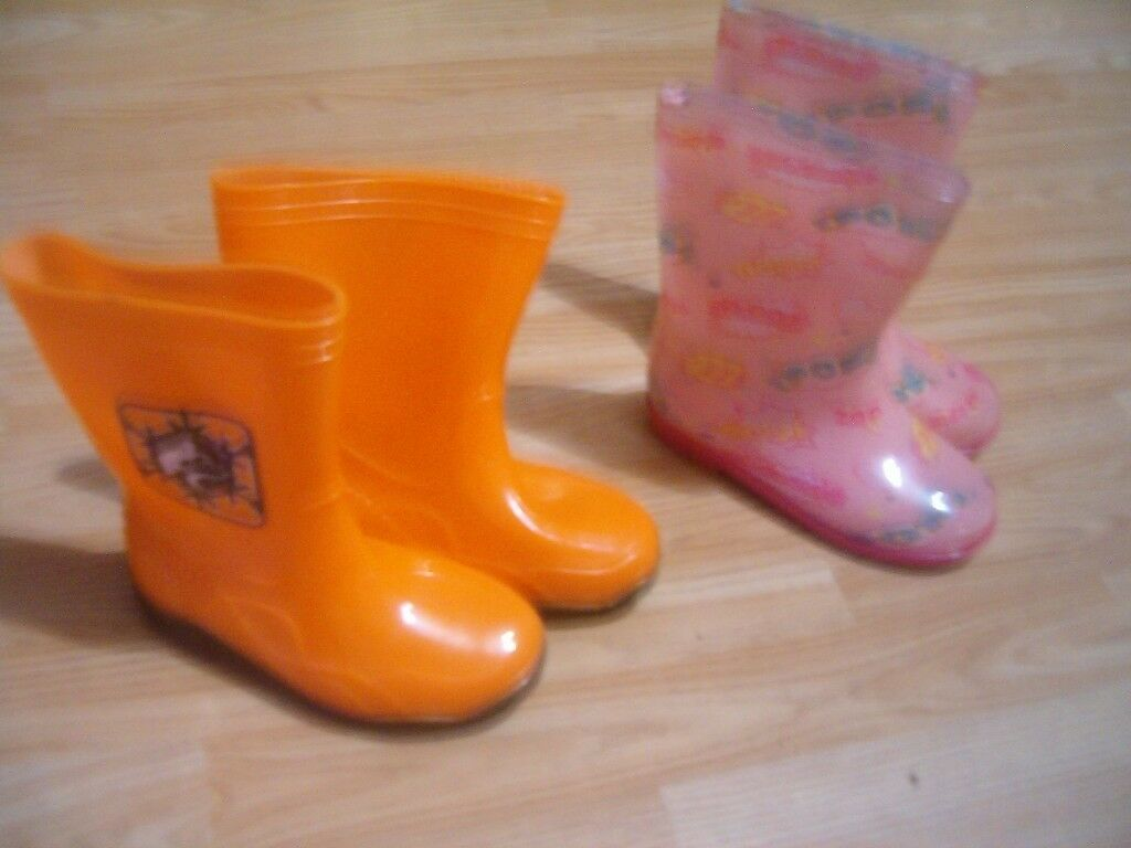 I sell boots for the girl