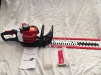 26cc Petrol Hedge Trimmer 61cm Double Sided Blade