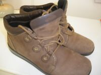 WOMEN'S LEATHER 'HOTTER' BRAND BOOTS - SIZE 7