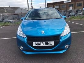 Peugeot 208- SAT NAV- ROAD TAX FREE- 2 OWNERS- 12 MONTHS MOT- SHOWROOM CONDITION- SPOTLESS IN&EX