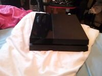 Ps4 500gb 3 games 2 x controllers