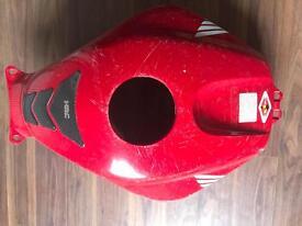 Honda CBR 600 RR 05 tank cover
