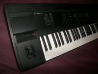 KURZWEIL K2000 VP / K-2000 VP , 61-Key Keyboard , Workstation , Synthesizer , 16 Channel Sequenser.