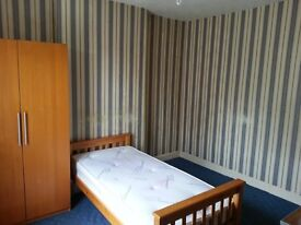 double size room to let in detached house all inclusive