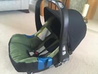 Britax Baby Safe Plus Car Seat and Isofix base
