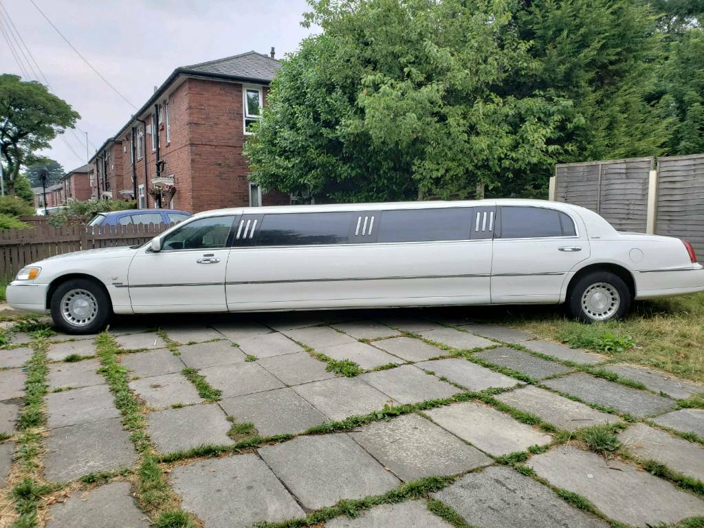lincoln town car limousine limo wedding car prom