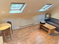 2 bedroom flat in Harringay, London, N4 (2 bed) (#1172870)
