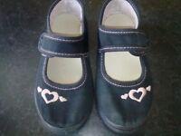Infant girls summer school shoe size 8