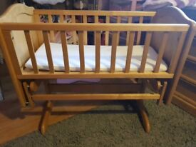 Mothercare pine gliding crib and loved so much bedding bundle excellent condition