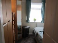 SINGLE ROOM available for SHORT LET for professional non-smoking female