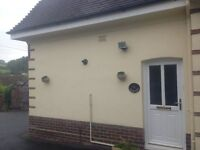 2 Bedroom Annexe to large House - Large Living Room, Conservatory, Parking for 2 cars, Patio, Garden