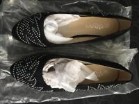 Black pumps size 37 brand new!