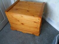 Vintage Storage box Pine