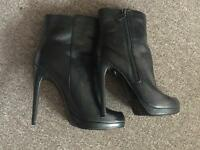 Ladies leather heel boots